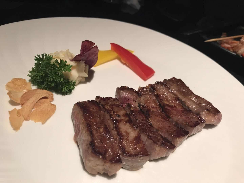 """""""人造肉""""被搬上餐桌 真的能代替猪牛肉吗?"""